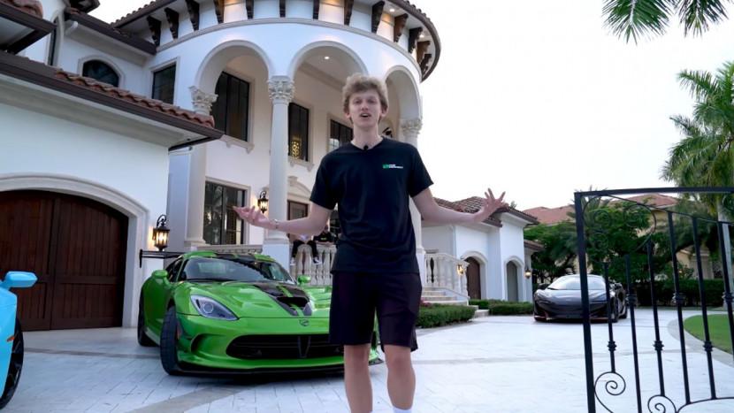 Video: Fortnite YouTubers geven rondleiding in hun gigantische villa