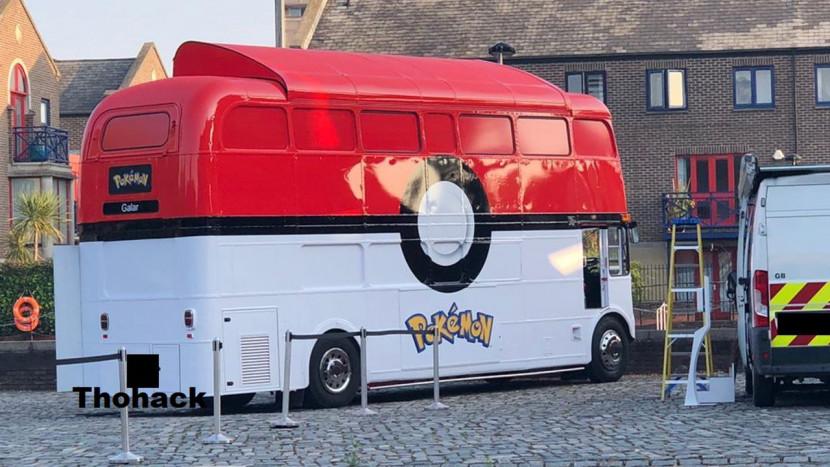 Wat doet deze Pokémon bus in Londen?