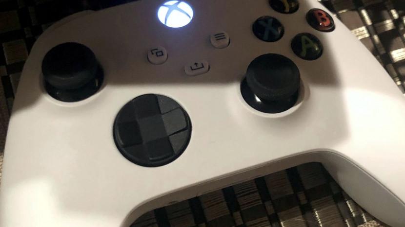 Witte next-gen Xbox controller gespot