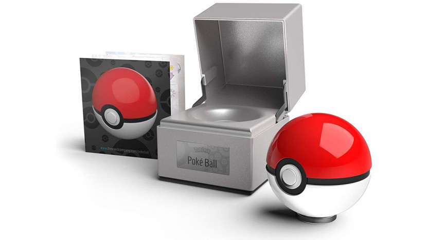 Gooi deze high-end Poké Ball replica van 100 dollar niet naar je huisdier
