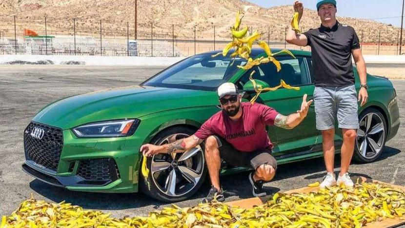 Mario Kart in het echt: laten bananen een auto spinnen?