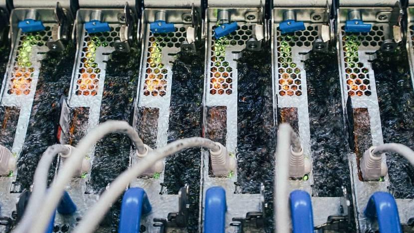 Microsoft koelt servers door ze permanent in kokende vloeistof onder te dompelen