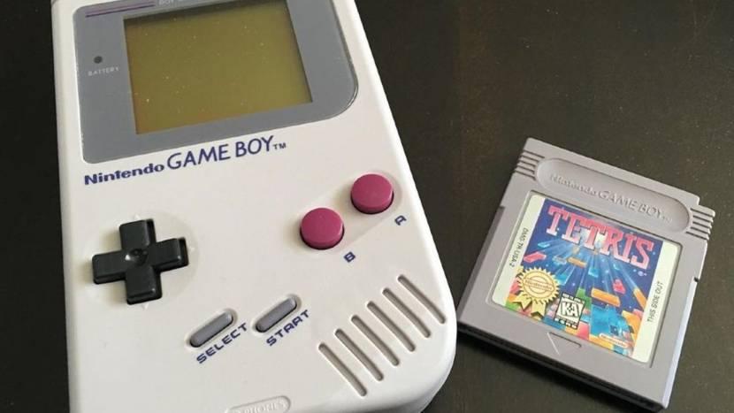 Hacker krijgt online multiplayer aan de praat op Game Boy