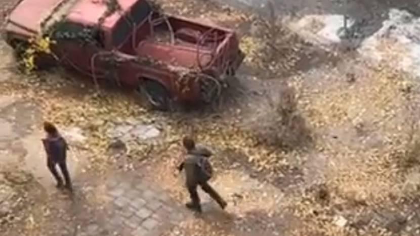 Bewegende beelden van The Last of Us tv-serie tonen Joel, Ellie en Tess in actie