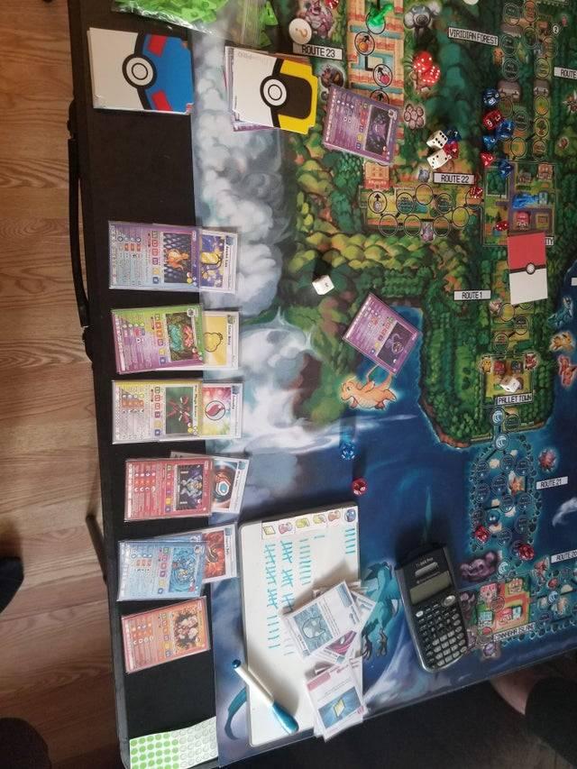 Fan maakt indrukwekkend Pokémon bordspel