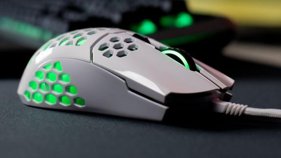 Win een Cooler Master MM711 gaming muis