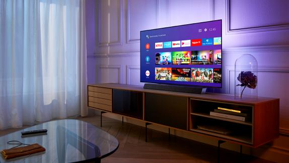 "Win een Philips 55""4KUHD OLED+ TV t.w.v. €2.499,99!"